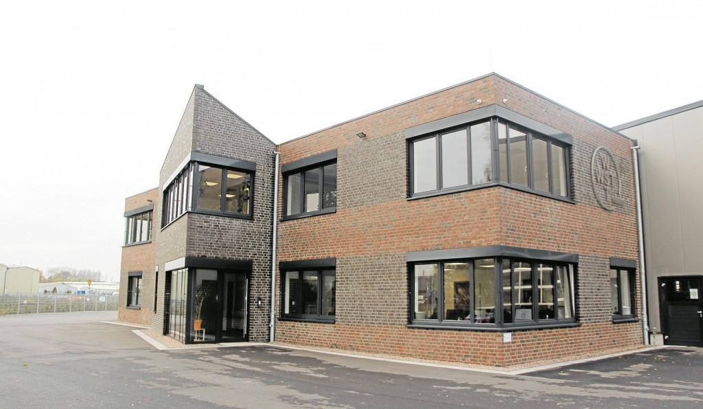 Das neue Firmengebäude der WST in der Kruppstraße im Gewerbegebiet Ahaus-Ammeln.